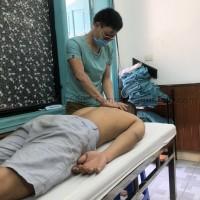 Bấm huyệt chữa đau cánh tay