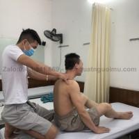 Bấm huyệt chữa đau mỏi vai gáy